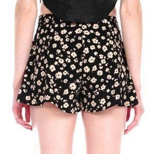 5 for $25 SALE! Blu Pepper Floral Flowy Shorts